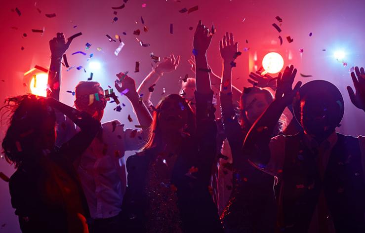 eventstyling eventstylist styliste feesten partijen bedrijfsfeest aankleding Ewijk nijmegen bemmel heteren arnhem gelderland Tinus maakt het mooi